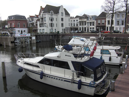 Lady Alison in Lingehaven